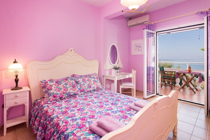 Anna Apartments seafront studio 2nd floor
