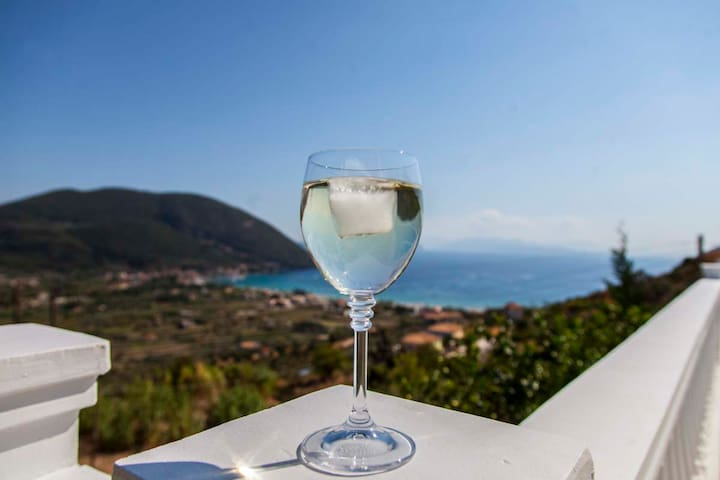 EarlyJuly Offers:Apartment with View & Pool 10%Off