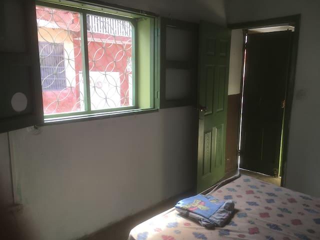 Maya Pan Hostel, private room w. A/C