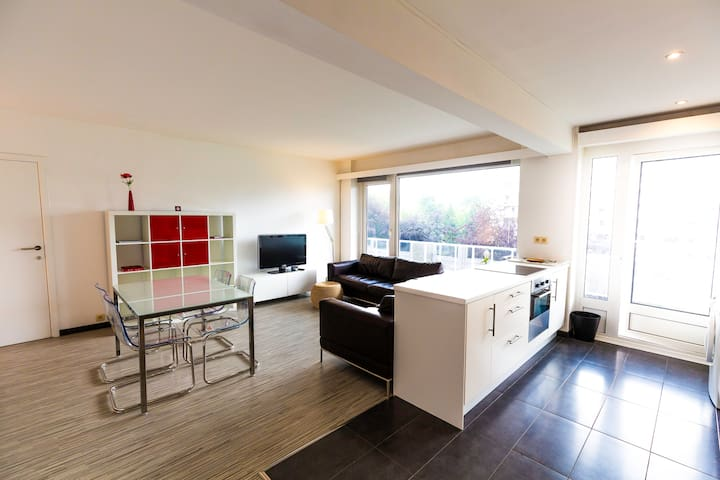 Brussels Woluwe near UCL-2 bedrooms max 5 Guests