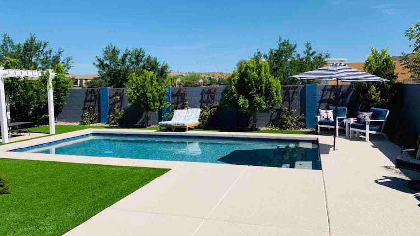 Resort Style Dove Valley Summer Retreat with Pool!