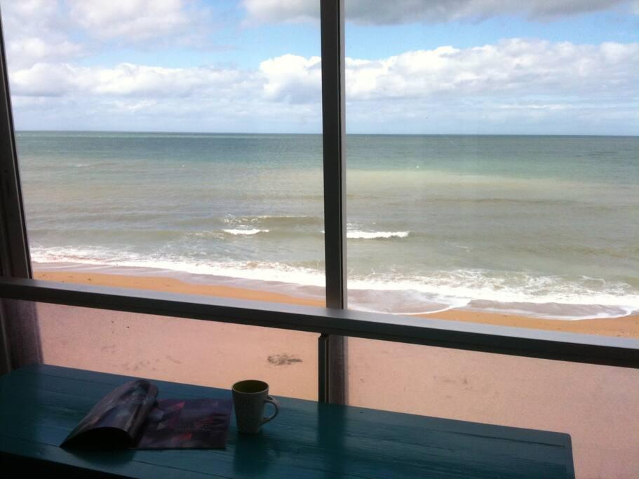appartement avec vue mer imprenable apartments for rent in courseulles sur mer normandie france. Black Bedroom Furniture Sets. Home Design Ideas