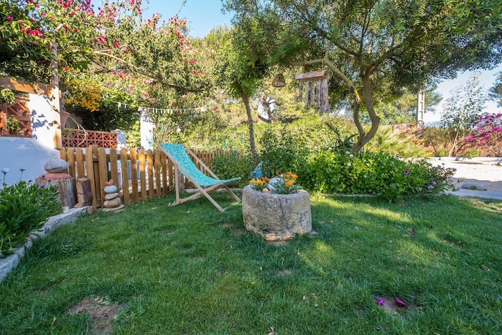 Romantic holiday home near the beach - Casa de Gertrudis