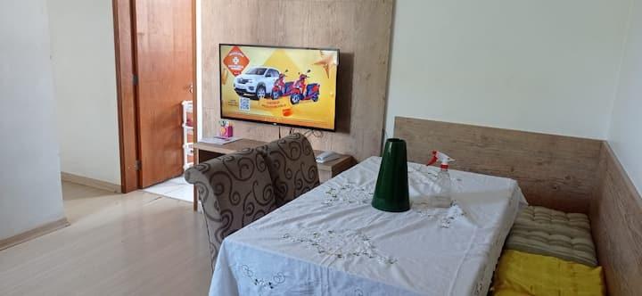 Alugo apartamento de 03 quartos em laranjeiras