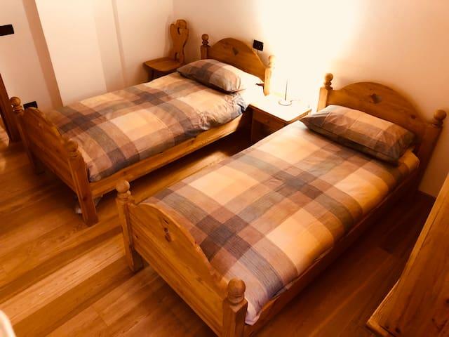 Bedroom 2 - camera 2