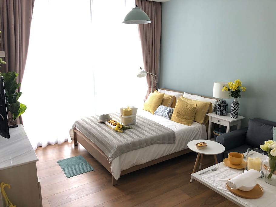 Mango room, Warm & cozy studio waiting for your stay. Middle of Bangkok downtown area