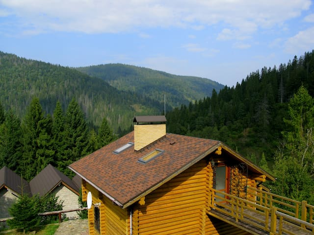 Alpiyka - Highest Carpathians Villa
