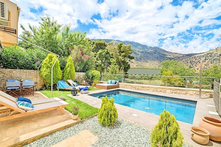 Villa Cressida with private swimming pool