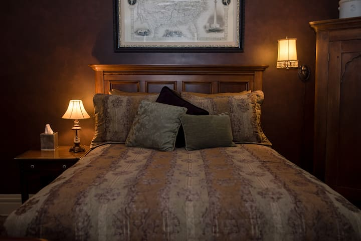 THE LONDONDERRY INN B&B's Wild West Room