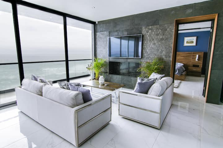 Ultra-Luxe Baja Penthouse w/ Panoramic Ocean Views