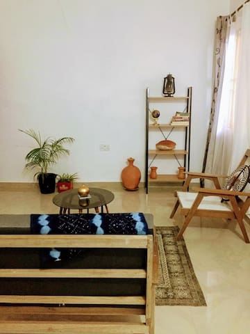 Private room in lovely urban apartment in Accra