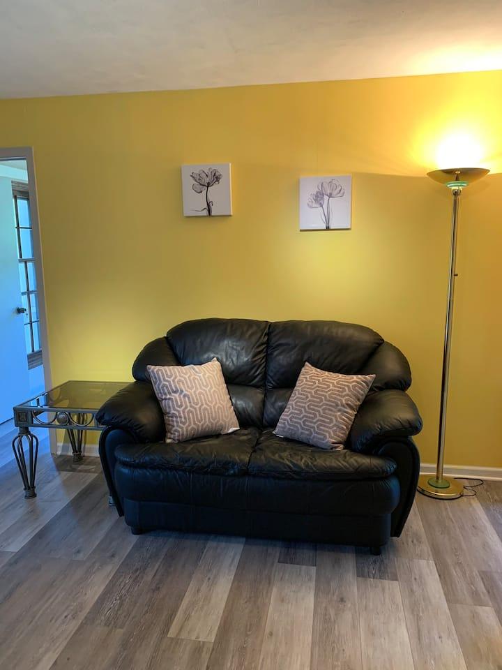 One-bedroom guest suite