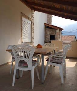 Lovely apartment/terrace/fireplace - Vrboska - Appartement