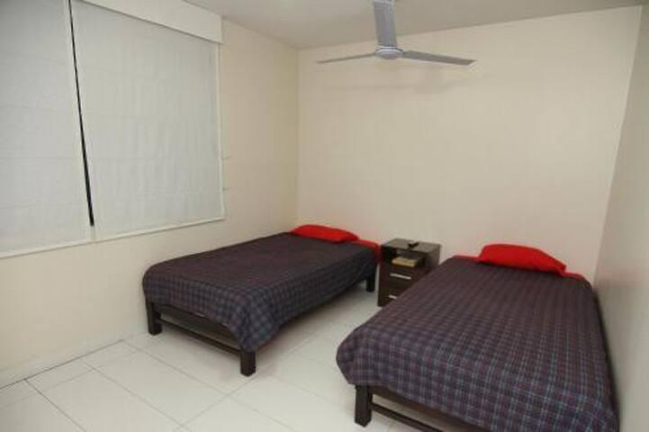 Habitacion 2 camas baño privado 301