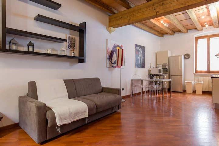 Corticella Apartment - Charming Place Downtown