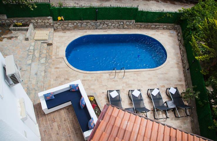 Dadya Villa 2 - Datca merkezde havuzlu denize 750m
