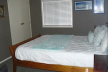 Queen size double bed, wardrobe, desk, chair, electric blanket.