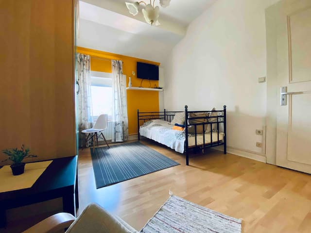 Cozy & private room (r6) in shared accommodation