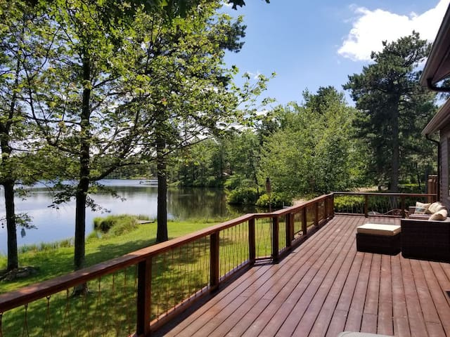 Lakehouse with Game Room, Chef's Kitchen and MORE!