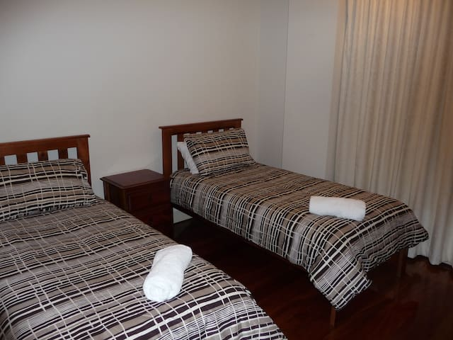 2 single beds in 3rd bedroom