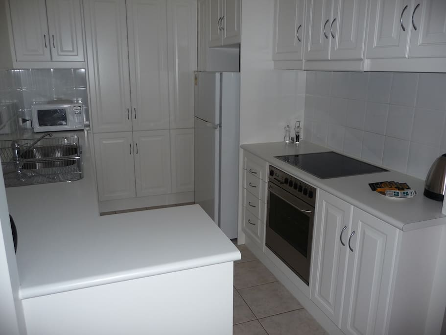 Fully Self contained kitchen with dishwasher