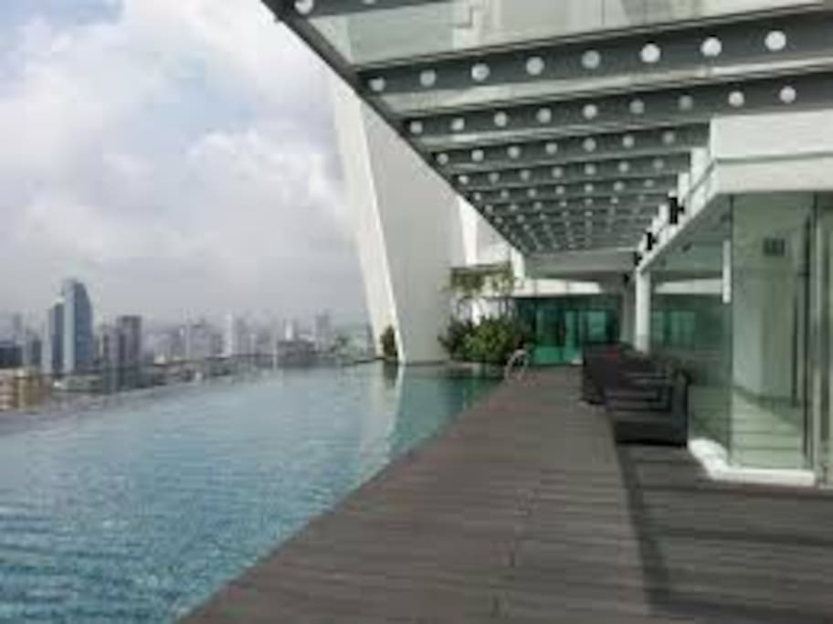 Roof top pool with sauna and 360 degree view lounge room
