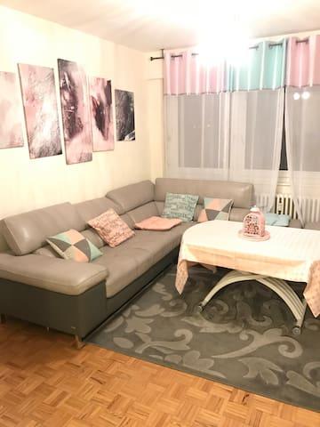 Appartement 3 chambres, toutes commodités.