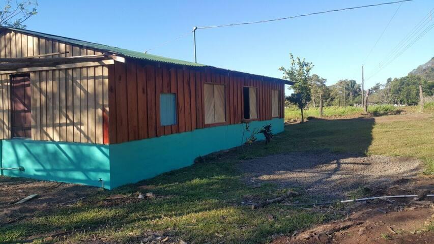 Casa Apta para acampar equipada full servicios
