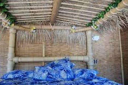 Romantic Tiki Cabin  - Kulübe