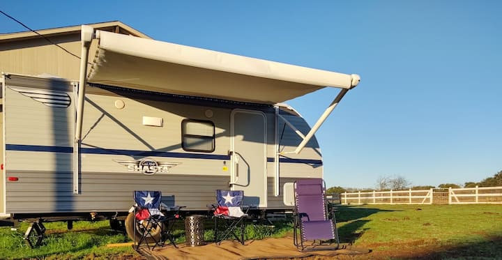 Cozy Camper on a Horse Ranch