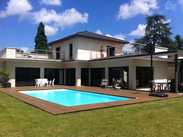 Villa de vacances à 2 pas de Lyon - Fleurieu-sur-Saône - Huvila