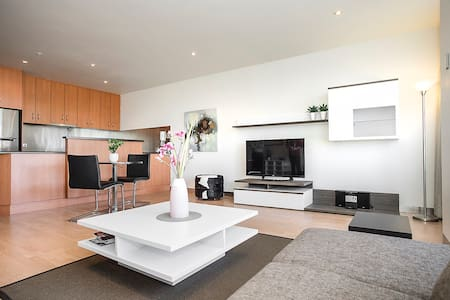 Adelaide Executive Apartment - Parkside