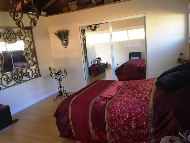 LAX Casa de Paz - Master Bedroom Suite - Inglewood - Dům