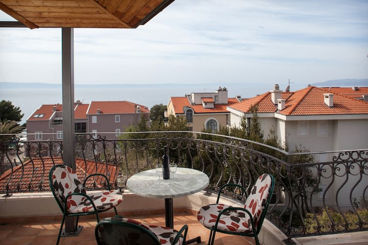 "Beach apartment ""Cvjetni dvori"" with sea view! A5"
