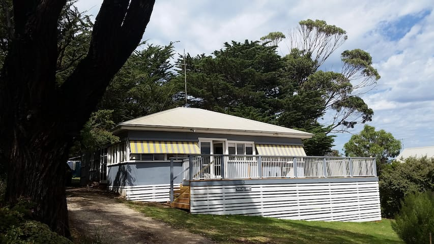 Classic 50's Beach House - Aireys Inlet - Ev