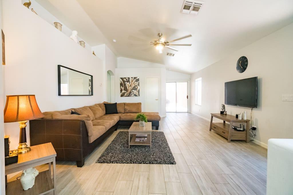 Spacious, bright, & warm living room