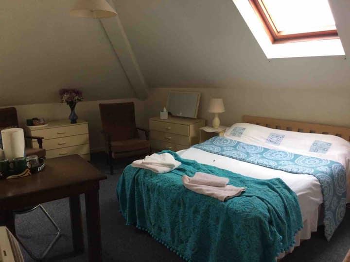 Rossmore House Coalisland -4 person family room