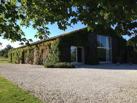 Grange de Charme 7km Saint Gilles