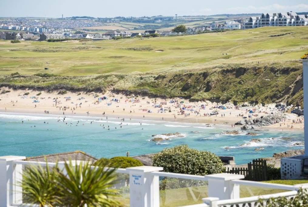 10 minute walk from Newquay's famous Fistral beach.