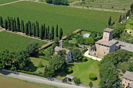 Agriturismo at Poggiarello (I)