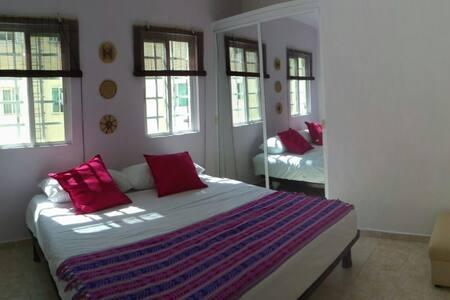 Cozy Room - Few Minutes from de Beach - Playa del Carmen