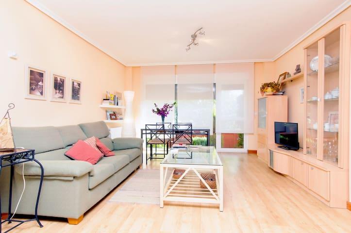 Apartamento con con jardín - Kantabria - Apartament