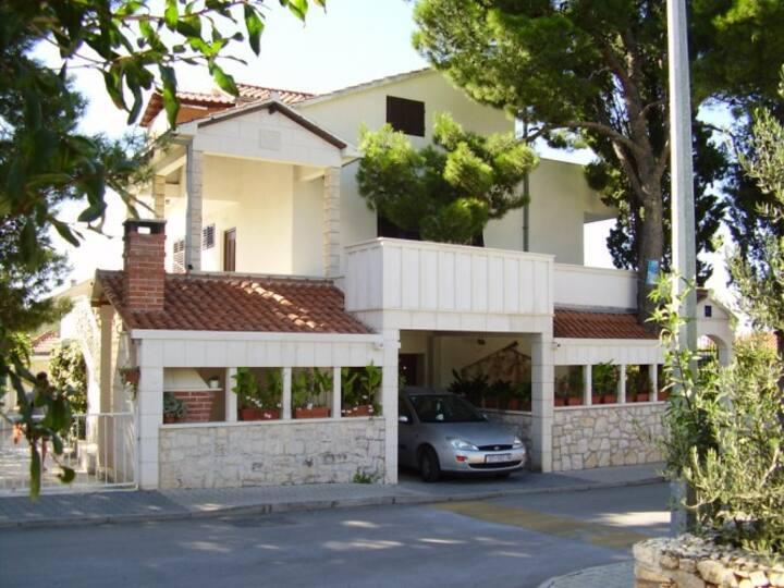 Apartment on island Brač