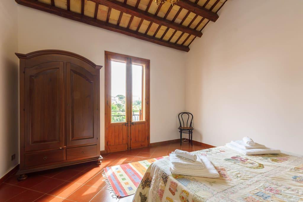 Casa il ciliegio case in affitto a valderice sicilia for 4 piani casa in stile ranch con 4 camere da letto