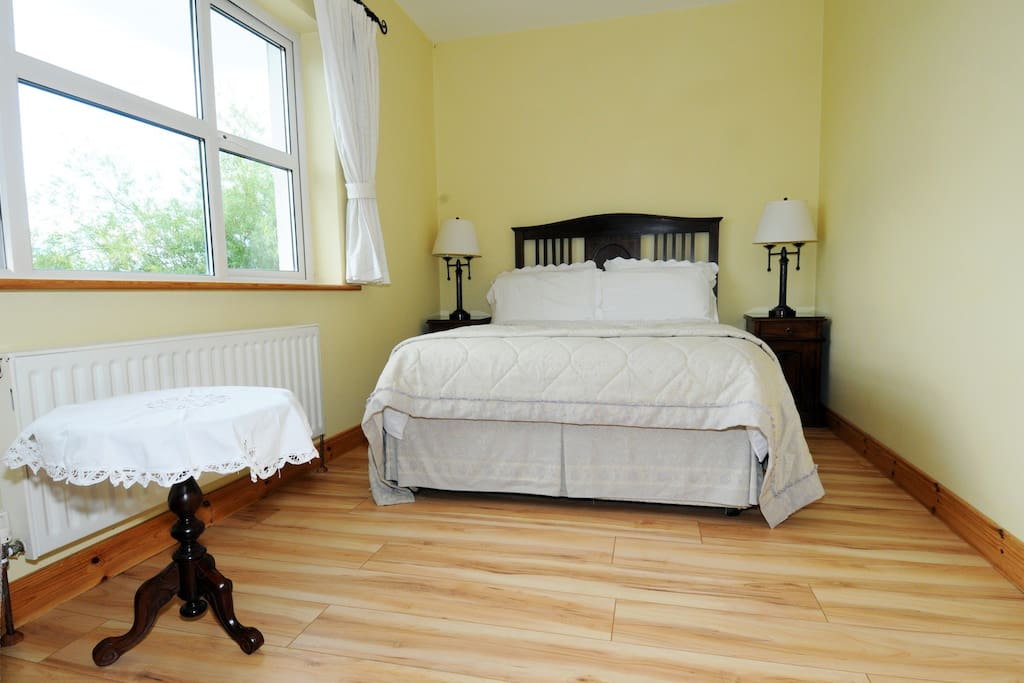 Double ensuite room with luxurious bath and en-suite.