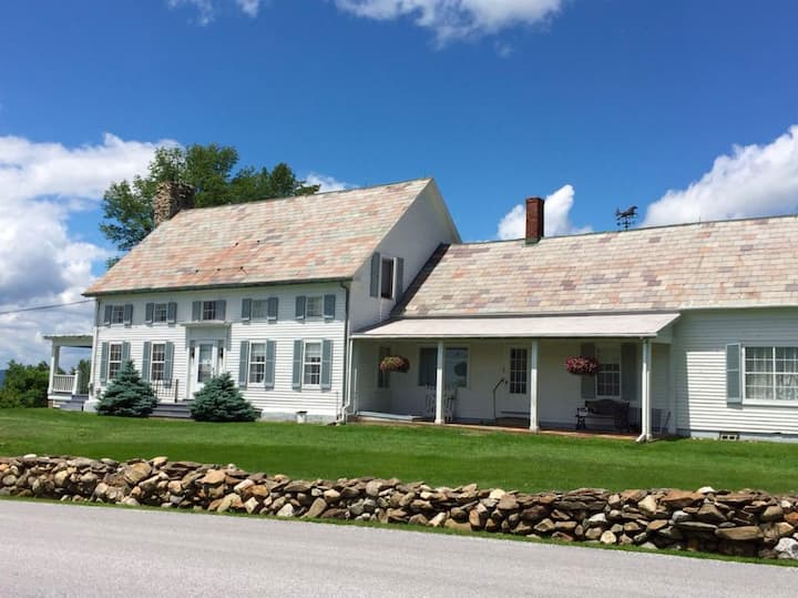 Beautiful Vermont Farmhouse with stunning view