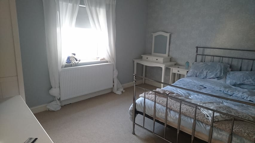 Cosy Double Room close to Riverside. - Knaresborough - Dom