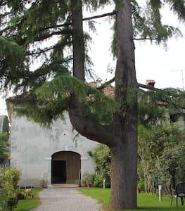 Castello Savorgnan di Brazzà  - Moruzzo udine - Castelo