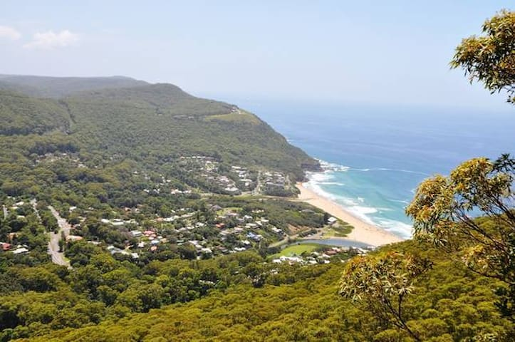 Leafy Sea Cottage - beach escape! - Stanwell Park - Talo