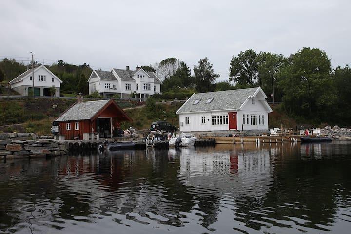 Koseligt hus ved sjøen i Straumen. - Haugesund - Cabana